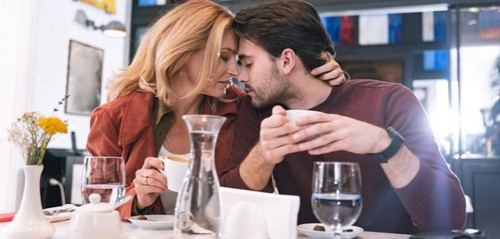 Why Do Married Woman Is Attracted To Younger Man? - Hottie